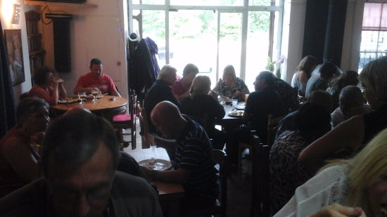 Charente, Frankrike: Simple food served till midnight every night (except mondays)