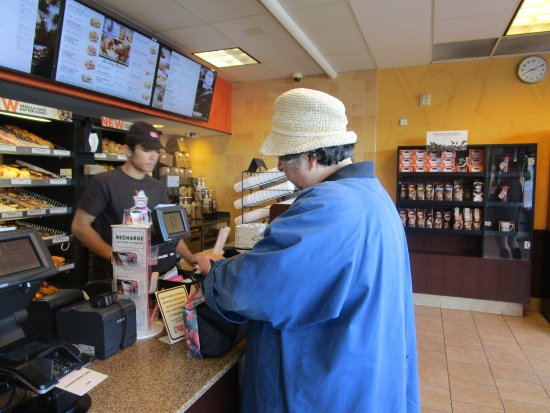 Cranston, Ρόουντ Άιλαντ: That is me at Dunkin Donuts.