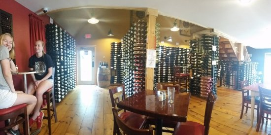 Weston, WI: Lots of wine racks throughout the east side of the restaurant.