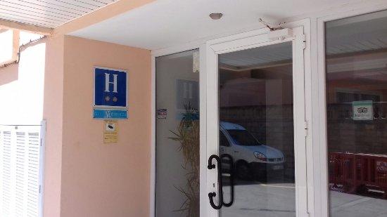 La Luna Hotel: entrance to the Bedroom Block. Plaque showing old hotel 2 *ratings
