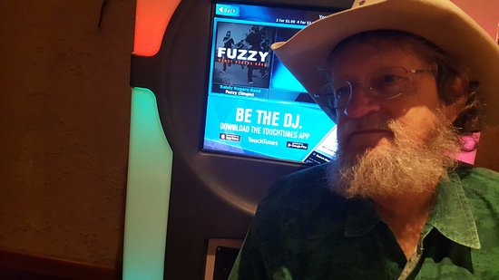 Siler City, NC: Jukebox-Fuzzy  :-)