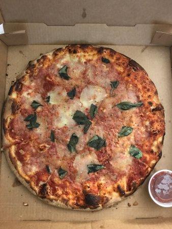 Solorzanos Pizzeria: photo0.jpg