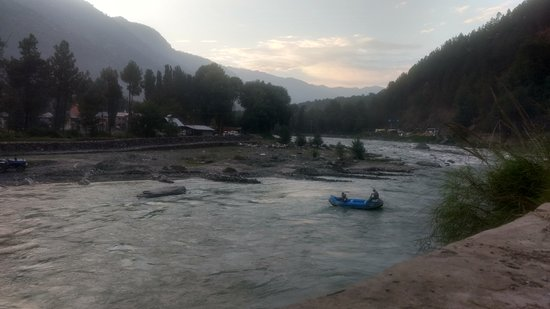 Kullu District, India: Incredible adventure of white water rafting at kullu valley Himachal Pradesh