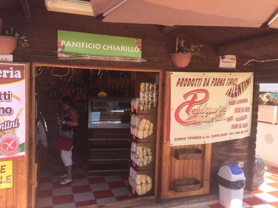 Barbarano del Capo, Italie : Panificio Chiarillo