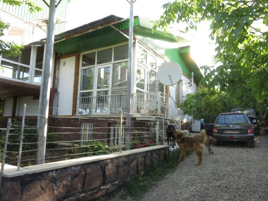 Darab, Ιράν: A garden Villa in a village in Damavand city