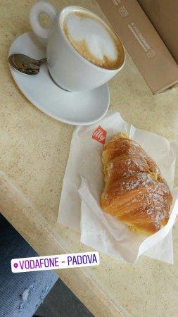 Masera di Padova, Italy: Divino Café