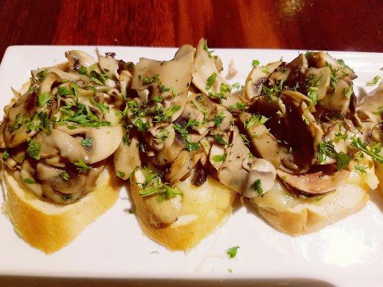 La Risata - Damansara: Mushroom bruschetta