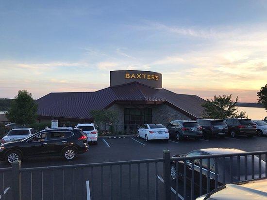 Baxter's Lakeside Grille: Baxter's Front Entrance