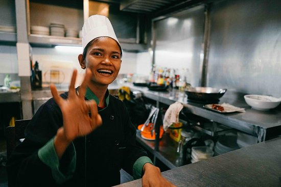 Rambutan Hotel Siem Reap : One of our great Cooks