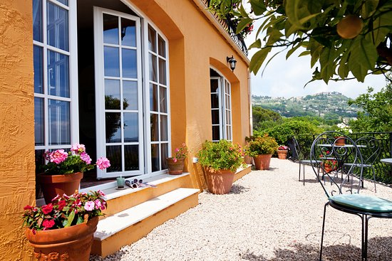 Villa Juli Guesthouse