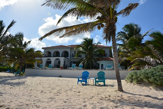 Bodden Town, Grand Cayman: Apartments building from beach