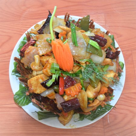 Bophut, Tailandia: Chicken with chilies and cashews at InFusion Cooking Classes