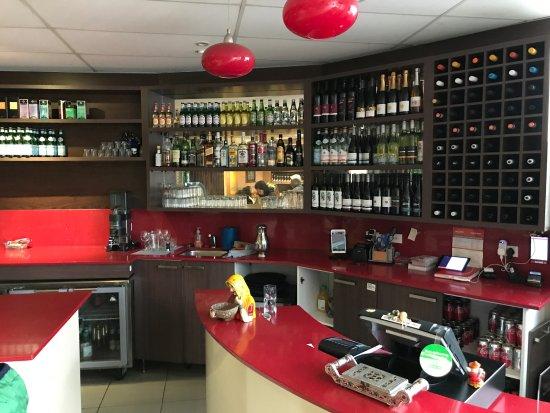 Rose Bay, Australia: Bar counter
