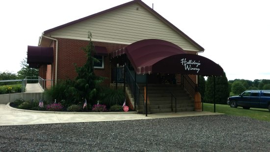 Lake Milton, OH: Halliday's Winery