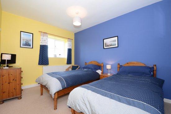 Freshwater East, UK: Twin room