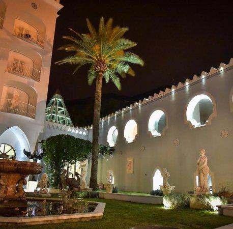 Terme Manzi Hotel & Spa: Il giardino dell'hotel