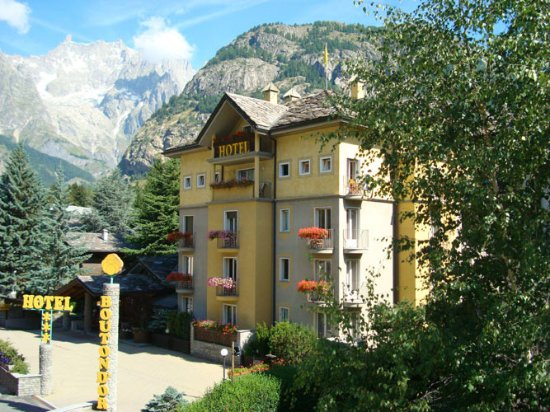 Auberge de la maison updated 2017 prices hotel reviews for Auberge de la maison courmayeur italy