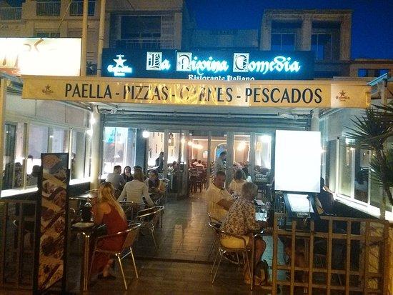 La Divina Comedia Playa: Restaurant entrance