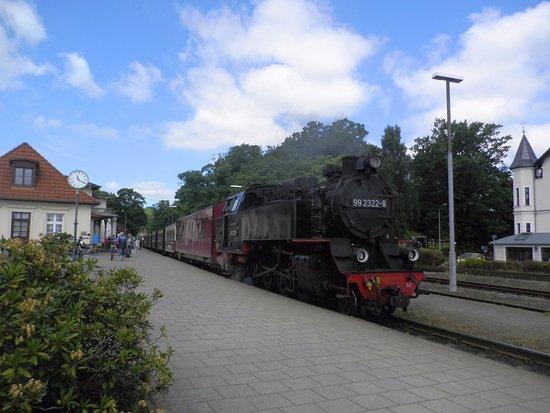 Bahnhof bad doberan bild von the mollie steam train for Parken in warnemunde