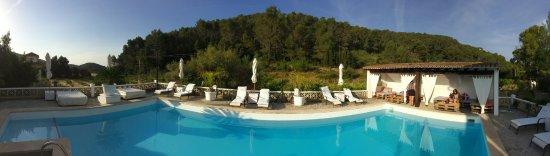 Esporles, Spanien: Zwembad met ligruimte en fantastisch uitzicht!