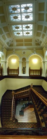 belfast castle vista de la escalera interior