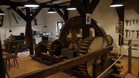 Schwerin, Germania: Liebevoll restaurierte, funktionstüchtige Maschinen.