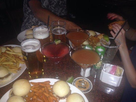 Gordon Biersch Brewery Restaurant : Lots of food and drink