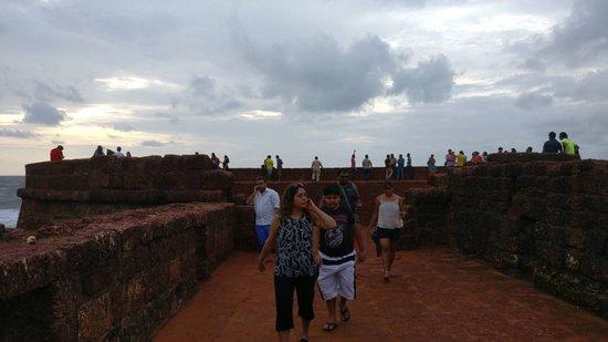 Sinquerim, Indie: IMG-20170610-WA0016_large.jpg