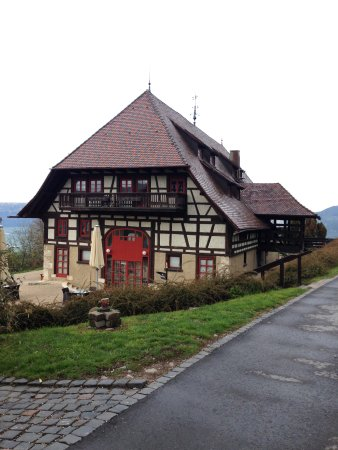 Hausen ob Verena, Tyskland: Another exterior view.