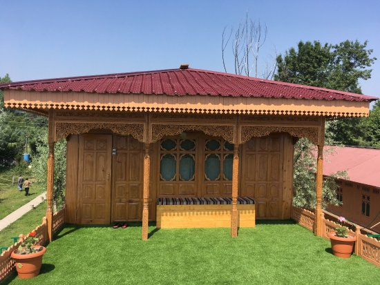 A must stay when in Srinagar