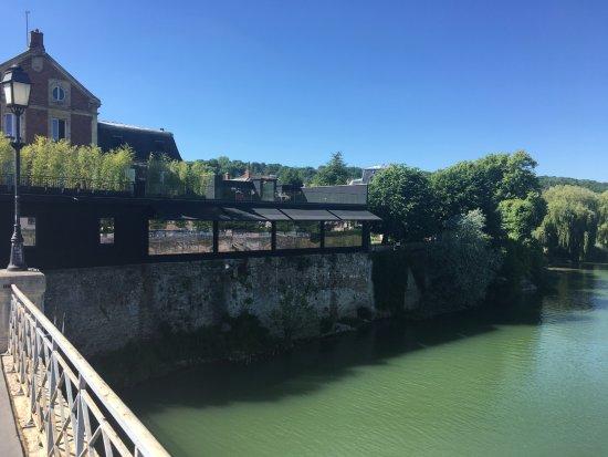 Ла-Ферт-су-Жуар, Франция: ...
