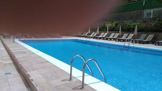 El Pinar Aparthotel: Pool Area El Pinar Ibiza