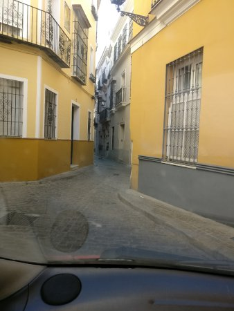 Hostal Sierpes : Old Seville lanes around hotel