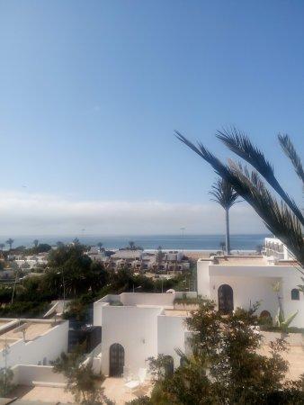 Ryad Mogador Al Madina: La plage, vue du restaurant.