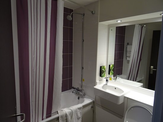 Premier Inn Manchester City Centre - Portland Street : Nyere og RENT badeværelse