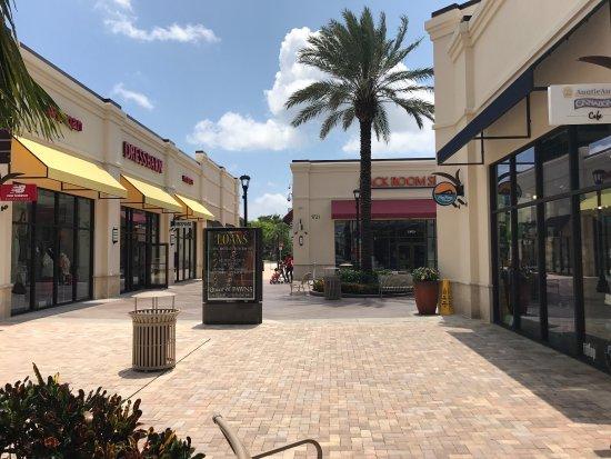 Downtown West Palm Beach : photo1.jpg