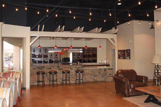 Mission Viejo, Californië: Our tasting room in Orange County, CA