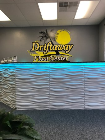 ‪Driftaway Float Center‬