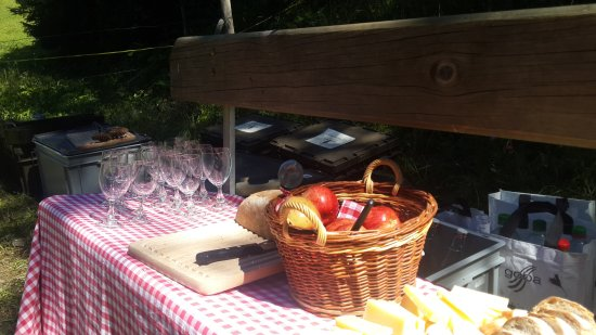 Saanenmoser, Switzerland: Picnic amenities