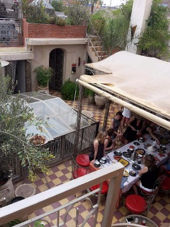 Riad Dar Khmissa Marrakech: Terrasse salle à manger