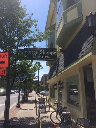 Omelette Shoppe & Bakery: photo0.jpg