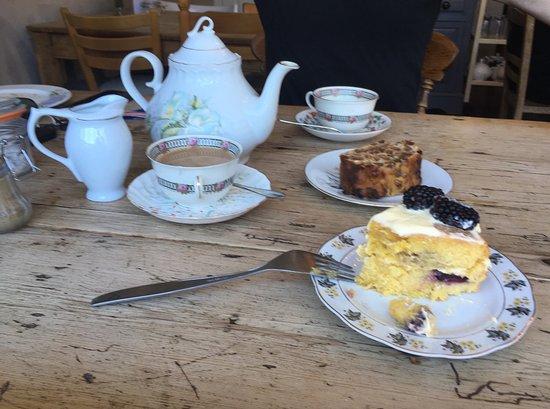 Mulberry's Tea Room: photo1.jpg