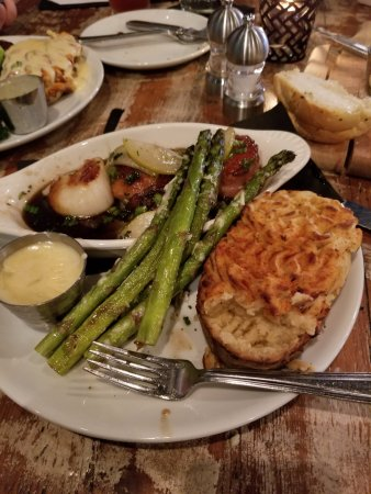 Decatur, IL: Brown Butter Scallops