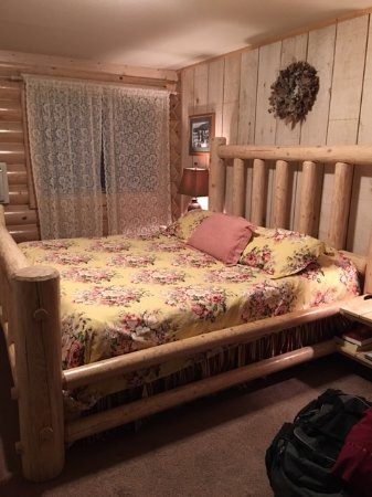 Bonners Ferry, ID: King sized bed