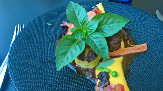 Gusto Caffe: Joues de cochon confites et sa polenta cuite cremeuse et snacké