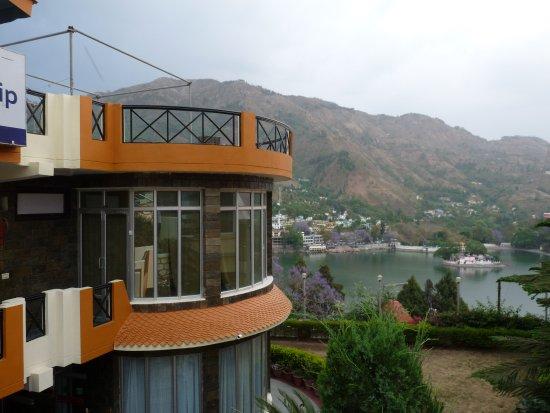 Hotel Lake Inn Bhimtal Picture