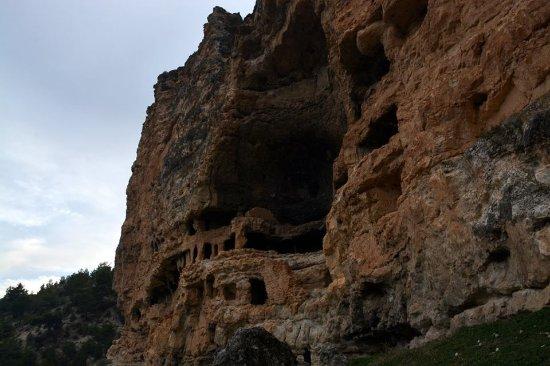 Usak, Turki: Montanist Manastırı