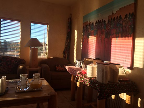 Southwest Inn at Sedona: One corner of the Breakfast room