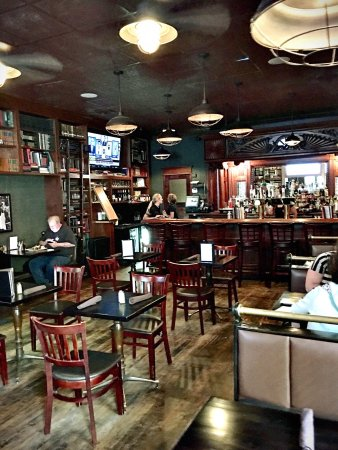 Stacks Bar & Grill: Great atmosphere.