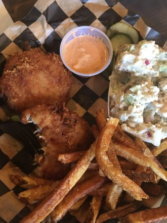 Spring Hill, TN: Best chicken tenders and crab cakes